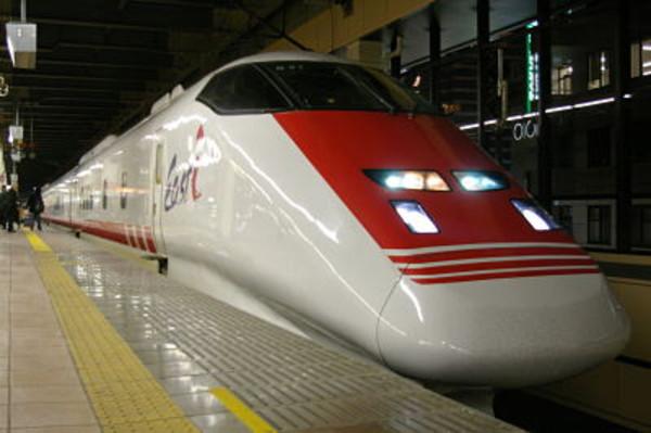 イーストアイ新幹線